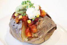 Stuffed Baked Potatoes, Little Kitchen, Granola, Chili, Baking, Ethnic Recipes, Food, Chile, Bakken