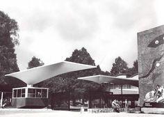 Arqs. Alejandro Prieto Posada y Enrique Manzanares. Colaborado técnico: Félix Candela Drive entrance with cantilevered roof by Felix Candela, CIBA Pharmaceutical Plant, Churubusco, DF 1954
