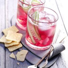 Cocktails Cranberry Gin Tonic Recipe The new MGM and Nova cane and teak garden furniture is here Art Gin Recipes, Drinks Alcohol Recipes, Punch Recipes, Alcoholic Drinks, Free Recipes, Cocktail Recipes, Dinner Recipes, Vodka Tonic, Gin And Tonic