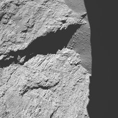 Space in Images - 2016 - 09 - Comet from 11.7 km – narrow-angle camera