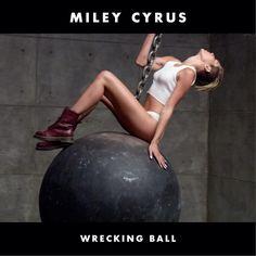 Wrecking Ball, el segundo single de Miley Cyrus. Escúchalo ya.  http://musicaes.wordpress.com/2013/08/28/bangerz-se-acerca-el-nuevo-album-de-miley-cyrus/