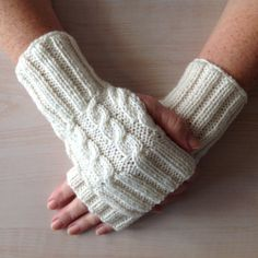 Ladies Luxurious Cream Ultra Soft 100% Merino Wool Cable Stitch Hand Warmers. Hand knitted in Scotland.