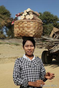 Myanmar By Rolandito. Myanmar Women, Burma Myanmar, Laos, Vietnam, Shwedagon Pagoda, Myanmar Travel, Bay Of Bengal, Yangon, Mandalay