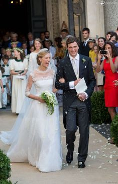 Le roi et la reine Philippe et Mathilde de Belgique arrivent au mariage du prince Amedeo et d' Elisabetta Maria Rosboch von Wolkenstein à Rome le 5 juillet 2014