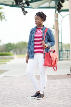 casual-spring-outfit-with-white-jeans-red-striped-tee-and-denim-jacket-1