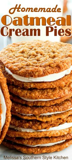 Homemade Oatmeal Cream Pies – Recipes And Desserts Yummy Cookies, Yummy Treats, Yummy Food, Easy Delicious Desserts, Easy Homemade Desserts, Sweet Treats, Tasty, Pudding Desserts, Köstliche Desserts