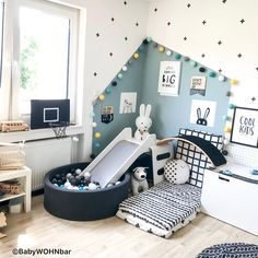 Childrens Room Home Decoration Small Room Wall Painting Home Design Little Girls DIY Home StorageTable setting Home Furniture Childrens Bed Display Pillow Childrens Bed W.