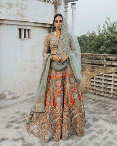 Lehenga Saree, Bridal Lehenga, Sarees, Latest Bridal Dresses, Pakistani Mehndi, Mehndi Brides, Indian Outfits, Indian Clothes, Business Fashion