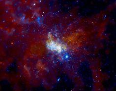 """El agujero negro del centro de nuestra galaxia parece haber """"despertado"""""""