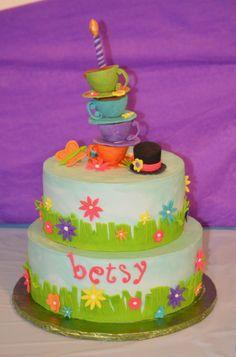 Alice teacup cake 5th Birthday, Birthday Cakes, Teacup Cake, 4 Kids, Deli, Fondant, Cake Decorating, Tea Cups, Alice