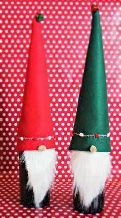 DIY wine bottle Christmas elves