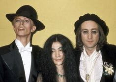 David Bowie,Yoko Ono and John Lennon, Grammys, March 1st 1975