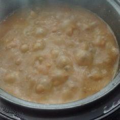 O Feijão em 20 Minutos na Panela de Arroz fica molinho e com um caldo grossinho delicioso. Faça para as suas refeições e alie praticidade, economia e sabor