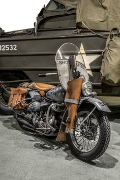 Vintage Motorcycles Harley-Davidson was yet another brand to reach iconic status thanks to this global conflict. Harley Davidson Knucklehead, Harley Panhead, Harley Bikes, Harley Davidson Motorcycles, Hd Motorcycles, Vintage Motorcycles, Bobber Motorcycle, Cruiser Motorcycle, Motorcycle Garage