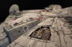 I am so pleased to see builds of the DeAgostini studio scale Millennium Falcon being completed! Millennium Falcon Model, Star Wars Vehicles, Star Wars Models, Miniatures, Magic, Starwars, Geek, Pictures, Millennium Falcon
