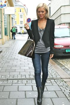 love a simple grey t-shirt, skinng jeans, black jacket changed out either dress or casual and change the shoe/boot...you can get mileage out of the look ladies!