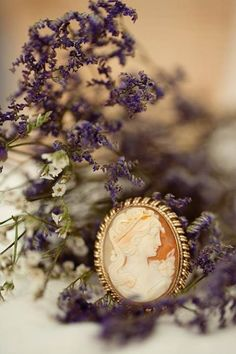Ana Rosa~ My Favorites✨ Lavender Cottage, Lavender Fields, Pot Pourri, Raindrops And Roses, Cameo Jewelry, Antique Jewelry, Vintage Jewelry, Lady Grey, Shades Of Purple