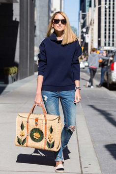 exPress-o: Spring Trend: Vintage Souvenir Straw Bags Boutique Accessoires, Straw Tote, Summer Bags, Spring Trends, Cloth Bags, Handmade Bags, Look Fashion, Ideias Fashion, What To Wear