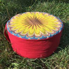 Meditační sedák plněný pohankovými slupkami žluto-červený + dárek Outdoor Furniture, Outdoor Decor, Pilates, Ottoman, Home Decor, Pop Pilates, Interior Design, Home Interior Design, Yard Furniture