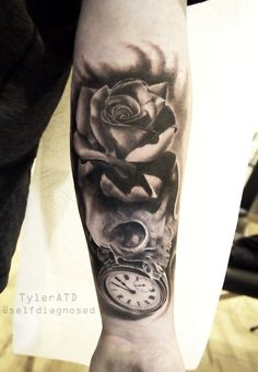 06b253c348e4 22 Mysterious Clock Tattoos For Men and Women