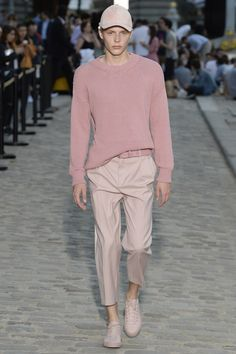 Paul & Joe Resort 2017 Fashion Show #menswear #pink #pastels