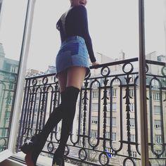 selenagomez: We made it Paris