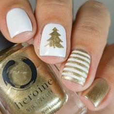 I shall call this glam Christmas ❤ Hope everyone is having a wonderful Christmas Eve 🎄 Golden Hour & White Noise. Christmas Gel Nails, Christmas Nail Designs, Holiday Nails, Easy Christmas Nail Art, Christmas Toes, Thanksgiving Nail Designs, Xmas Nail Art, Winter Nail Designs, Cute Acrylic Nails