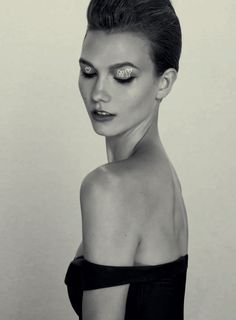 Karlie Kloss A Head For Business And A Body For Sin