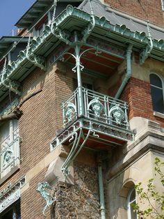 Paris 16 - Castel Béranger Art nouveau à Paris 14, rue La Fontaine 16° (Hector Guimard, 1895-1898).