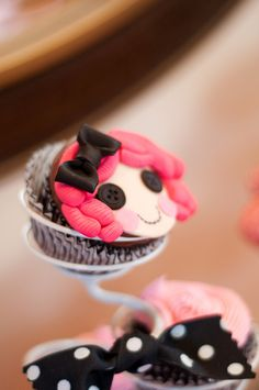 Cupcakes at a Lalaloopsy Party #lalaloopsy #cupcakes