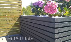 brand by vikse: DIY Blomsterkasse Diy Planters Outdoor, Wooden Planters, Outdoor Decor, Plant Box, Back Gardens, Outdoor Structures, Outdoor Furniture, Landscape, Plants