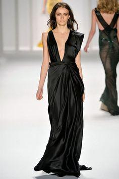 Mendel Fall 2012 Ready-to-Wear Fashion Show - Erjona Ala Runway Fashion, High Fashion, Fashion Show, Fashion Design, Chiffon Dress, Dress Skirt, Backstage, Red Carpet Gowns, Tweed Dress