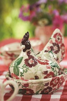 Emma Bridgewater Zinnias Hen on a Nest 2014 1883 Rookwood Pottery vase