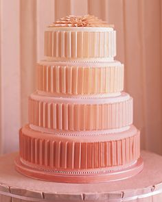 A stunning peach wedding cake