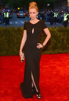 Emily Blunt in Carolina Herrera