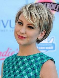 Short Haircut with Layered Sides for Round Faces