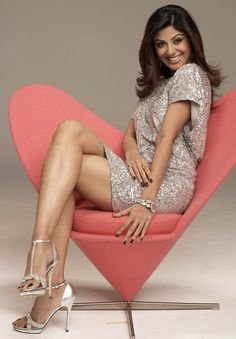 Sexy Celebrity Legs Shilpa Shetty