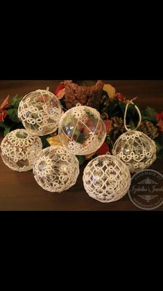 Today I've tatted this nice tatting motif💜. ⠀ Unfortunately I don't know…Informations About Today I've tatted this nice tatting motif💜. Shuttle Tatting Patterns, Needle Tatting Patterns, Tatting Jewelry, Tatting Lace, Beaded Christmas Ornaments, Christmas Crafts, Crochet Motifs, Crochet Patterns, Tatting Tutorial