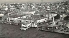 İzmir Konak / 1952 Old Pictures, Old Photos, Istanbul Turkey, Old City, Paris Skyline, City Photo, Old Things, Black And White, Landscape