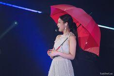 Kim Jennie, Kim Hair, Rapper, Blackpink Photos, Blackpink Fashion, Pop Idol, Yg Entertainment, Pink Aesthetic, Kylie Jenner