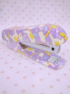 ドリーミーステーショナリー ステープラー/ユニコーンPR Unicorn Stationary, Cute Stationary, Unicorn Cafe, Cute Office Supplies, Unicorn Fashion, Baby Doll Accessories, Accessoires Iphone, Cute Polymer Clay, School Essentials