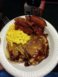 Bacon, eggs and pancakes