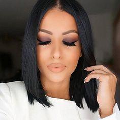 Black hair color and neutral makeup – Hair Makeup Flawless Makeup, Gorgeous Makeup, Love Makeup, Makeup Looks, Black Hair Makeup, Elegant Makeup, Pretty Makeup, Short Hair Styles, Natural Hair Styles