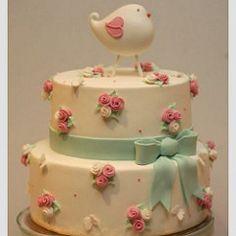 Fromhttp://cupcake-franciscaneves.blogspot.pt/2013/11/passarinho-rosa-e-verde-agua.html! #bolo #bolodecorado #passarinho #birthday #festainfantil #cake #birdcake #aniversario #socute #instafood