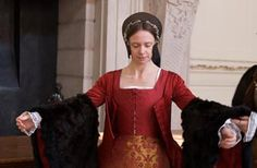 Kateryn Parr prepares for the biggest moment of her life - her marriage to King Henry VIII! Watch as her ladies-in-waiting dress her in a gown fit for a royal wedding This is quite interesting.