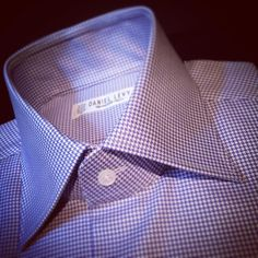 High collar and pied de poule for my client #bespokeshirts #madeinfrance #highcollar #parischic #frenchelegance #motherofpearlbuttons #pieddepoule (à Daniel Levy)