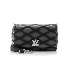 Rental Louis Vuitton Quilted Lambskin Malletage PM Shoulder Bag ($225) ❤ liked on Polyvore featuring bags, handbags, shoulder bags, black, louis vuitton, black over the shoulder purse, chain shoulder bag, louis vuitton purses, black purse and black crossbody handbags