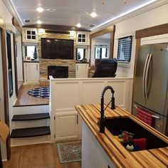 If you are looking for Interior Rv Living Ideas, You come to the right place. Below are the Interior Rv Living Ideas. This post about Interior Rv Living Ideas was. Architecture Renovation, Home Renovation, Home Remodeling, Camper Remodeling, Caravan Renovation, Camper Interior Design, Rv Interior, Interior Ideas, Trailer Interior