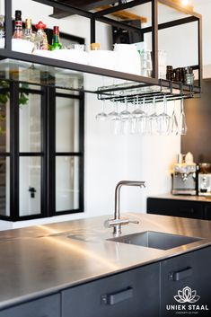 Black Kitchens, Cool Kitchens, Free Kitchen Design, Kitchen Mixer Taps, Diy Furniture Plans, Kitchen On A Budget, Kitchen Organization, Kitchen Remodel, Kitchen Decor