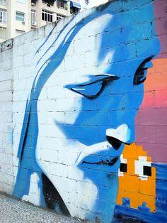 Street Art View Cristo Redentor redemptor redeemer Christ Rio 2016 Rio2016 Copacabana Rio de Janeiro Tito Grafite graffiti estátua